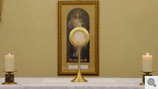 Close - Altar 0560